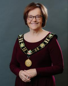 head shot of Mayor Easton